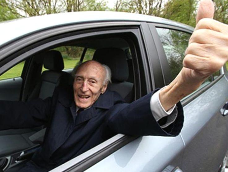 Платит ли пенсионер налог на автомобиль