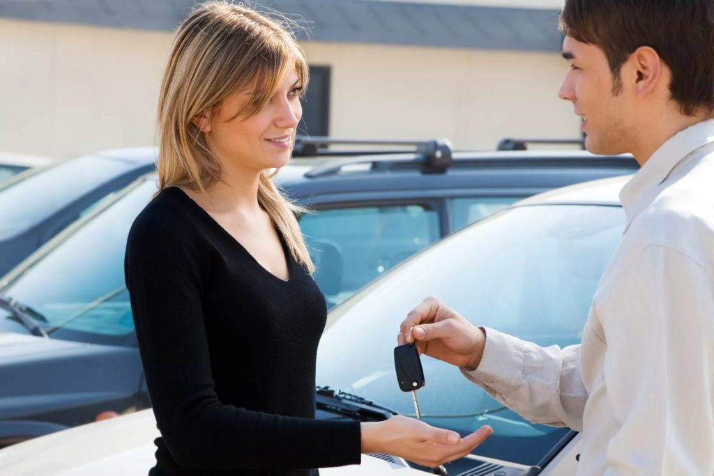 Можно ли управлять авто если владелец сидит рядом