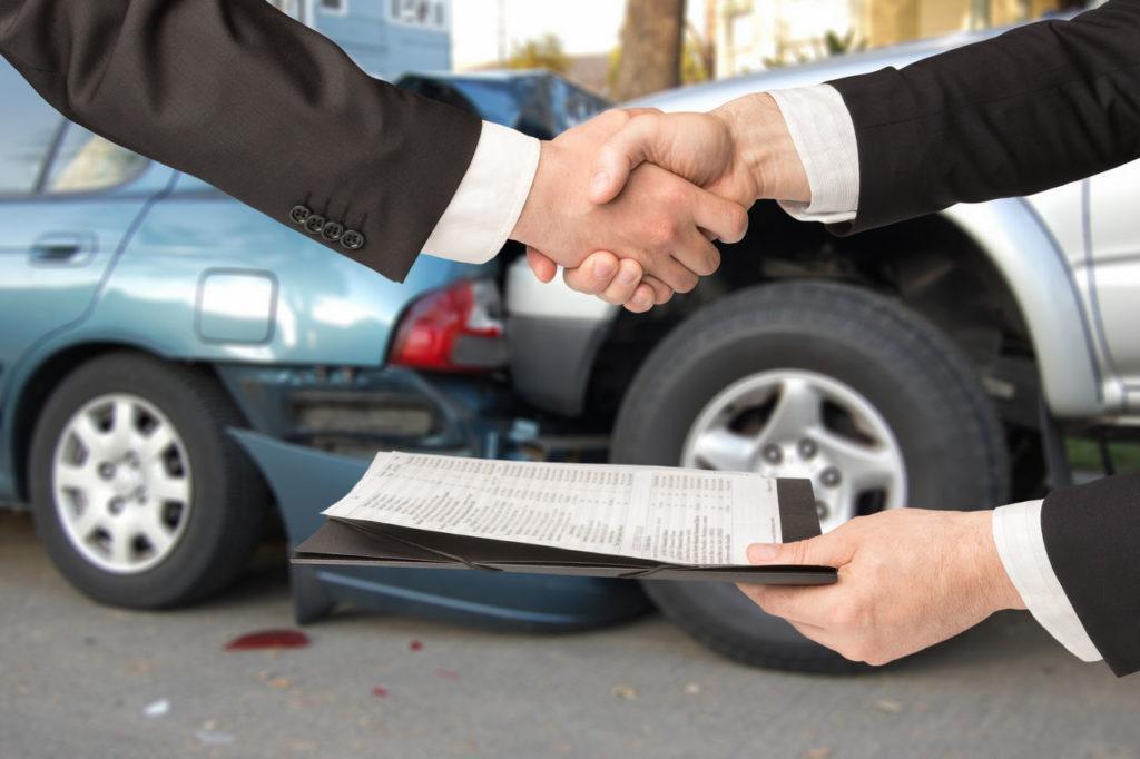 Что дает ОСАГО автовладельцам при аварии